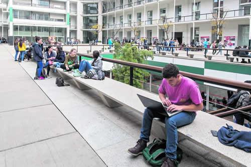 Universidades Públicas en España para Extranjeros Barcelona